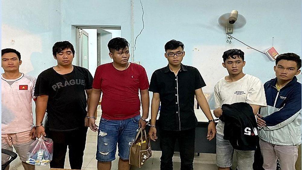 TP Hồ Chí Minh: Bắt giữ nhóm đối tượng giả danh Cảnh sát hình sự để cướp tài sản